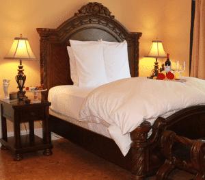 Olive Mini-Suite, Bella Luna Inn